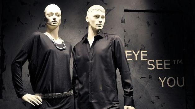 WOW- They See You Stores using mannequins with hidden cameras