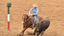Unique bush sport draws Australia's top outback horseriders