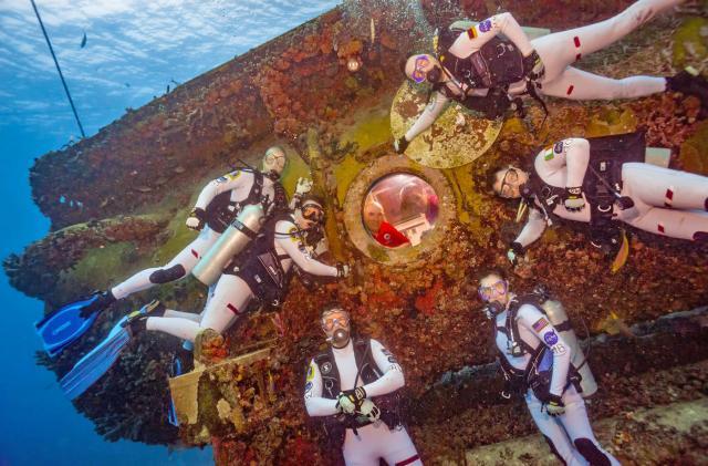 NASA astronauts head underwater to simulate Mars missions