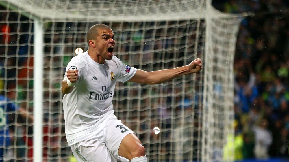 Pepe está entre Manchester City e PSG