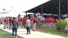 Nationals bring actual camels to spring training for 'Hump Day'