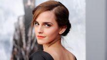Emma Watson 每天戴著的戒指意外遺失了!原來戒指背後有個關於她和母親的感人故事!