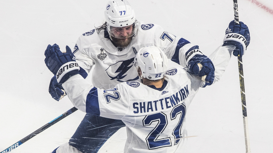 Watch live: Lightning looks to win Stanley Cup