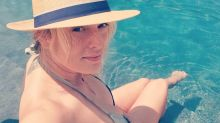 'Breathtaking' Stormy Daniels posts makeup-free bikini selfie a day after glamorous Vogue reveal