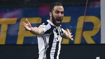 Higuain prova a riprendersi la Juve: duro lavoro con Sarri
