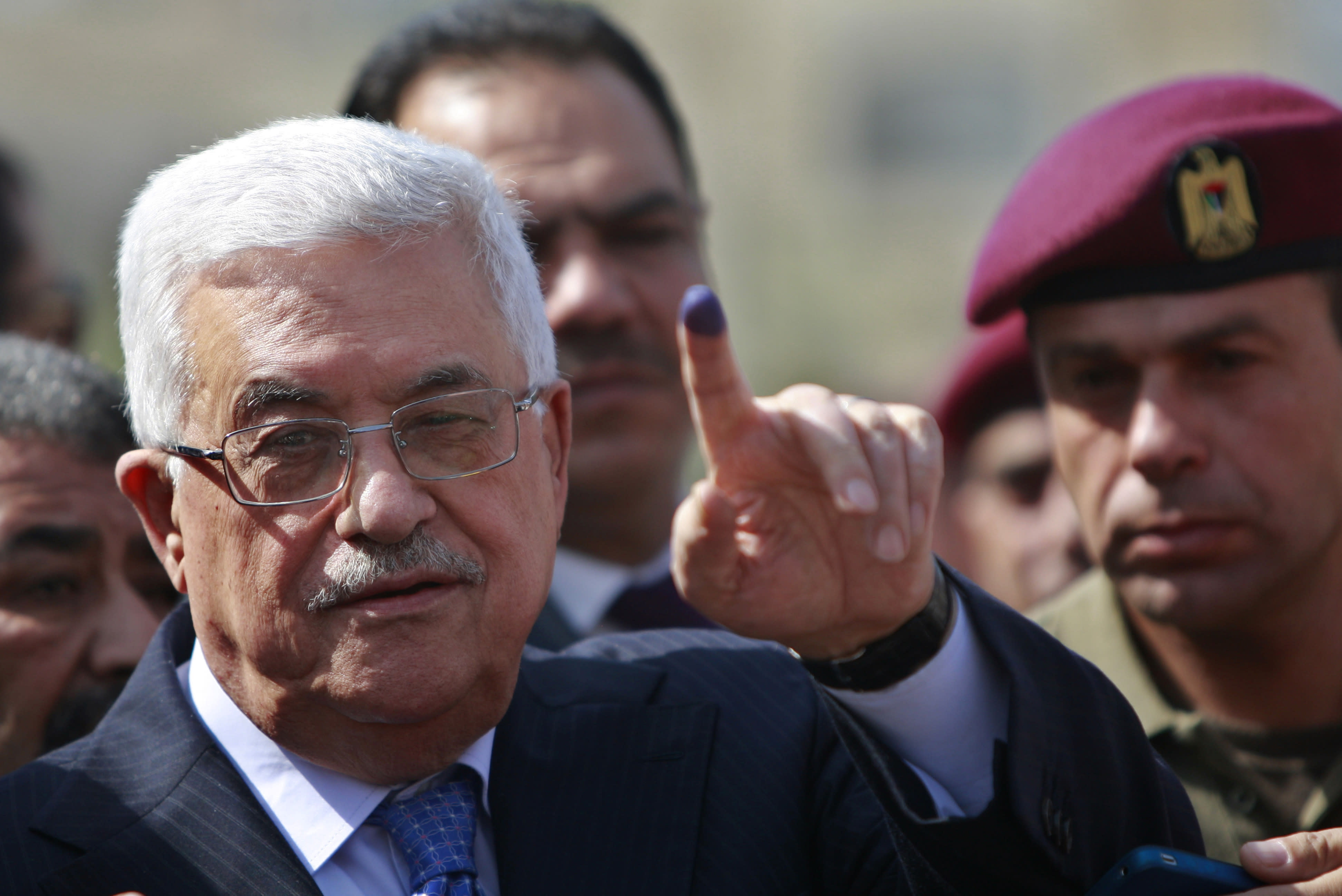 Abbas orders Palestinian public freedoms boosted before vote