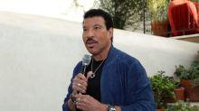 Lionel Richie sugere trazer 'We Are The World' de volta pelas vítimas do coronavírus