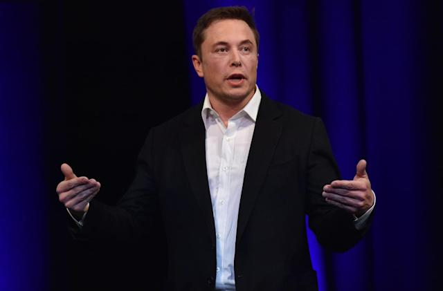 Tesla pushes EV semi-truck launch to November 16th