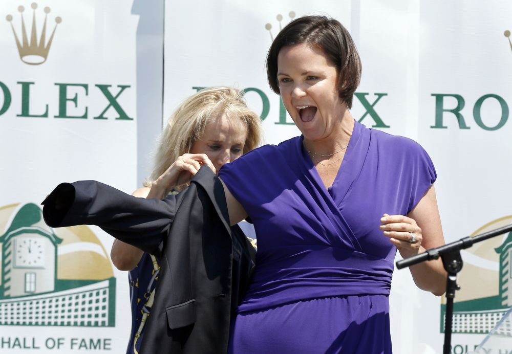 Tennis hall opens doors for Lindsay Davenport
