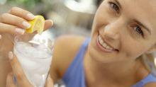 12 buenas razones para beber agua con limón todas las mañanas
