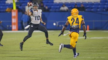 Risk and reward: Intrigue surrounds Utah State QB