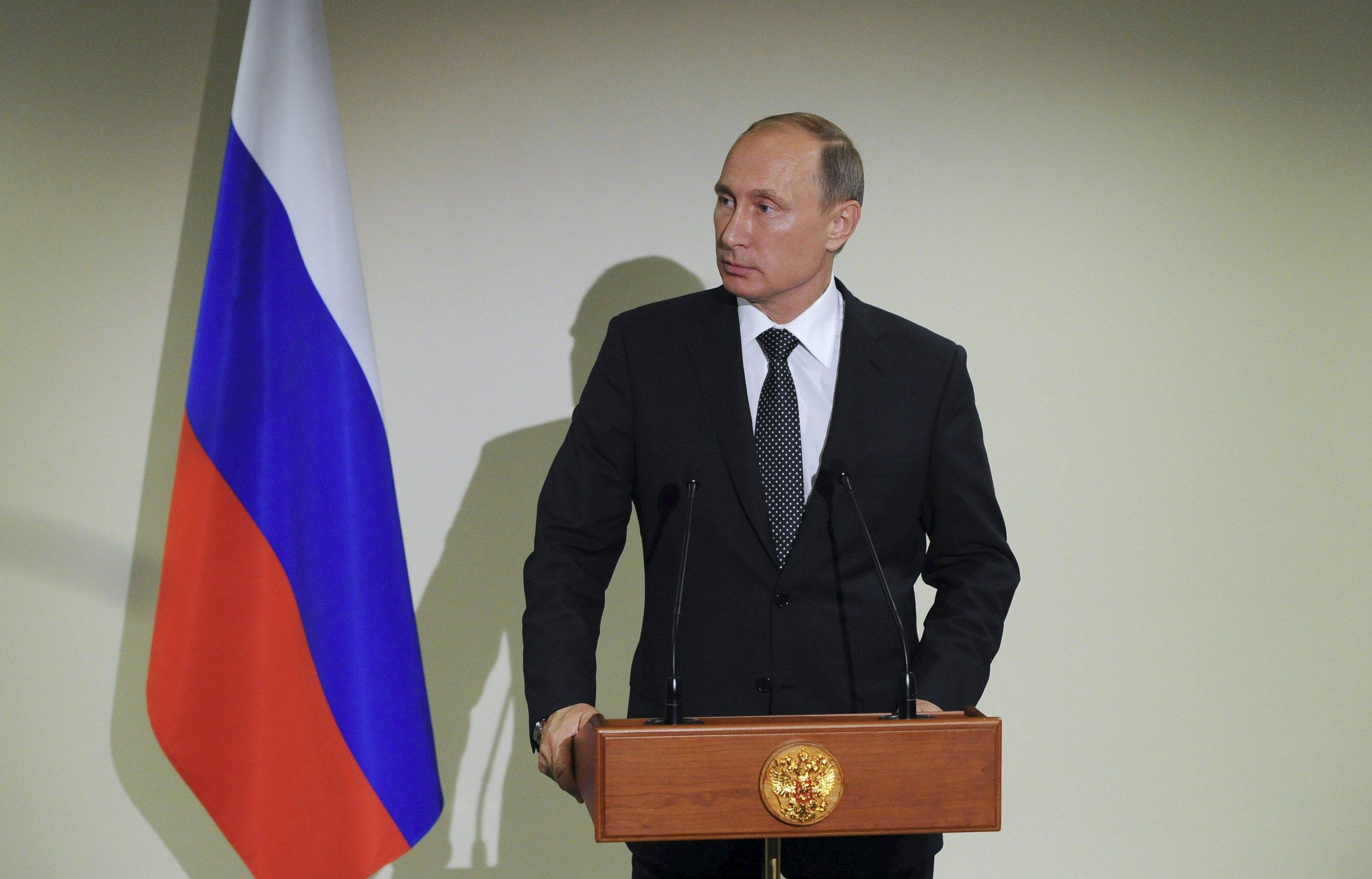 Russia's President Vladimir Putin speaks during a news conference at the United Nations General Assembly in New York, September 28, 2015. Picture taken September 28, 2015. REUTERS/Mikhail Klimentyev/RIA Novosti/Kremlin ATTENTION EDITORS - THIS IMAGE HAS BEEN SUPPLIED BY A THIRD PARTY. IT IS DISTRIBUTED, EXACTLY AS RECEIVED BY REUTERS, AS A SERVICE TO CLIENTS.