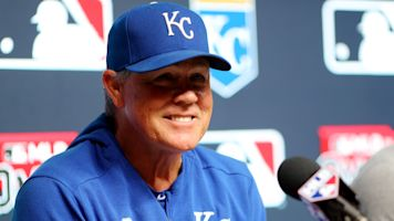 Yost retiring after 10 seasons, title with Royals