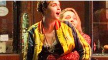 Paris Jackson y Cara Delevingne, ¡besándose!