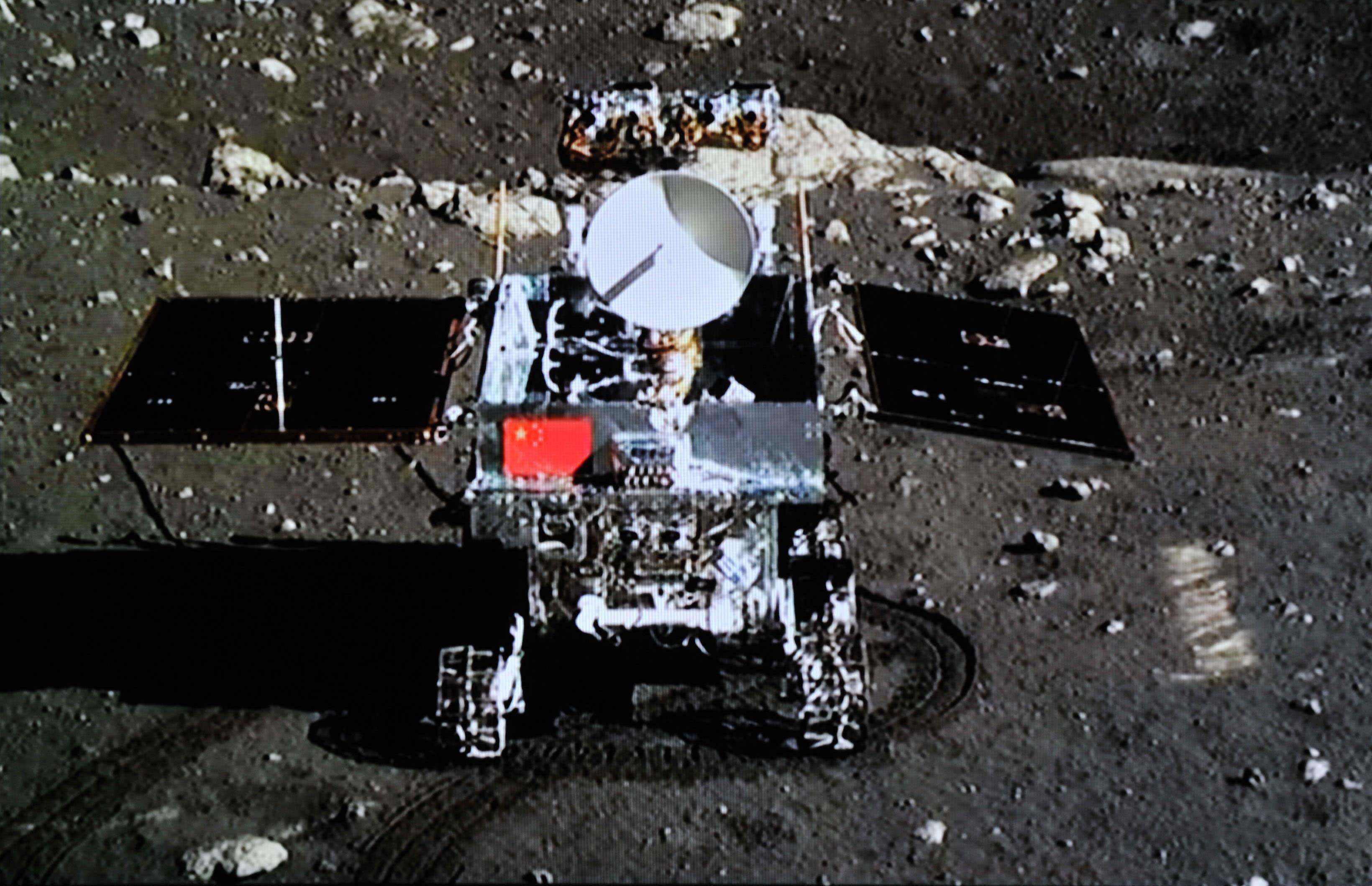 china lands on the moon historic robotic lunar landing - 1000×732