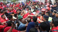 Scuffles outside court as Zahid Hamidi supporters attempt to scale gate