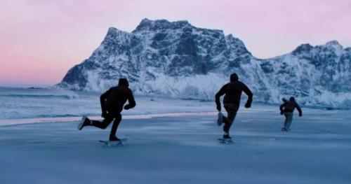 Skateboard - Du skate glaçant sur les plages gelées de la Norvège
