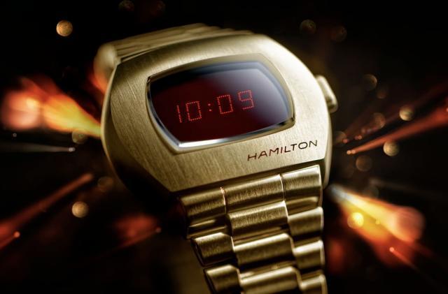 The first digital wristwatch gets a modern update