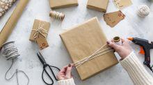 Mit diesem Hack bekommst du auch schwierige Geschenke verpackt