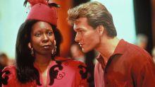 Cómo Whoopi Goldberg consiguió el papel de 'Ghost' cuando estaba reservado para Tina Turner