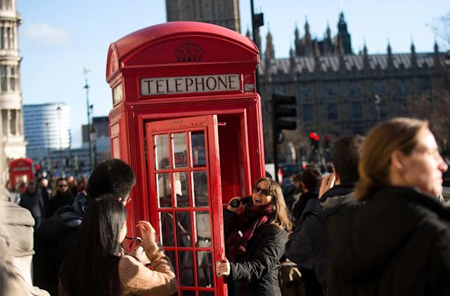 UK telephone boxes to be turned into tiny offices