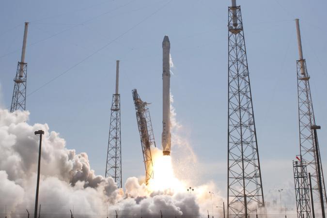 SpaceX würde gerne 4.425 Satelliten ins Weltall schießen