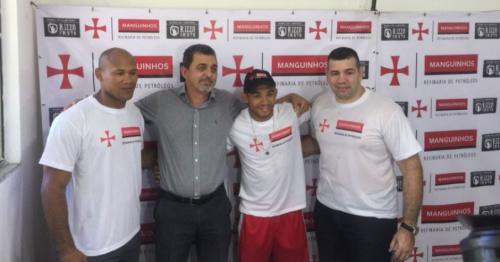 Refinaria de Manguinhos anuncia parceria com Aldo e Ronaldo Jacaré