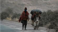 In pictures: Ash covers Ecuador farming land