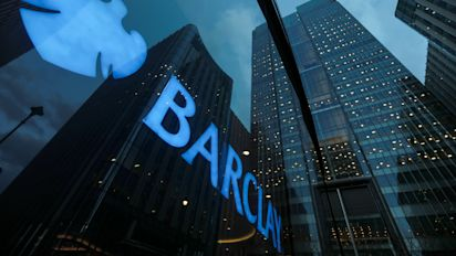 Barclays to cut investment banker bonuses