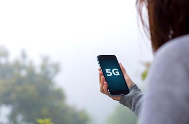 Bloomberg: AT&T and Verizon plan to launch 5G hotspots