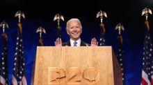"""Joe Biden appelle l'Amérique à tourner la page d'une """"époque sombre"""""""