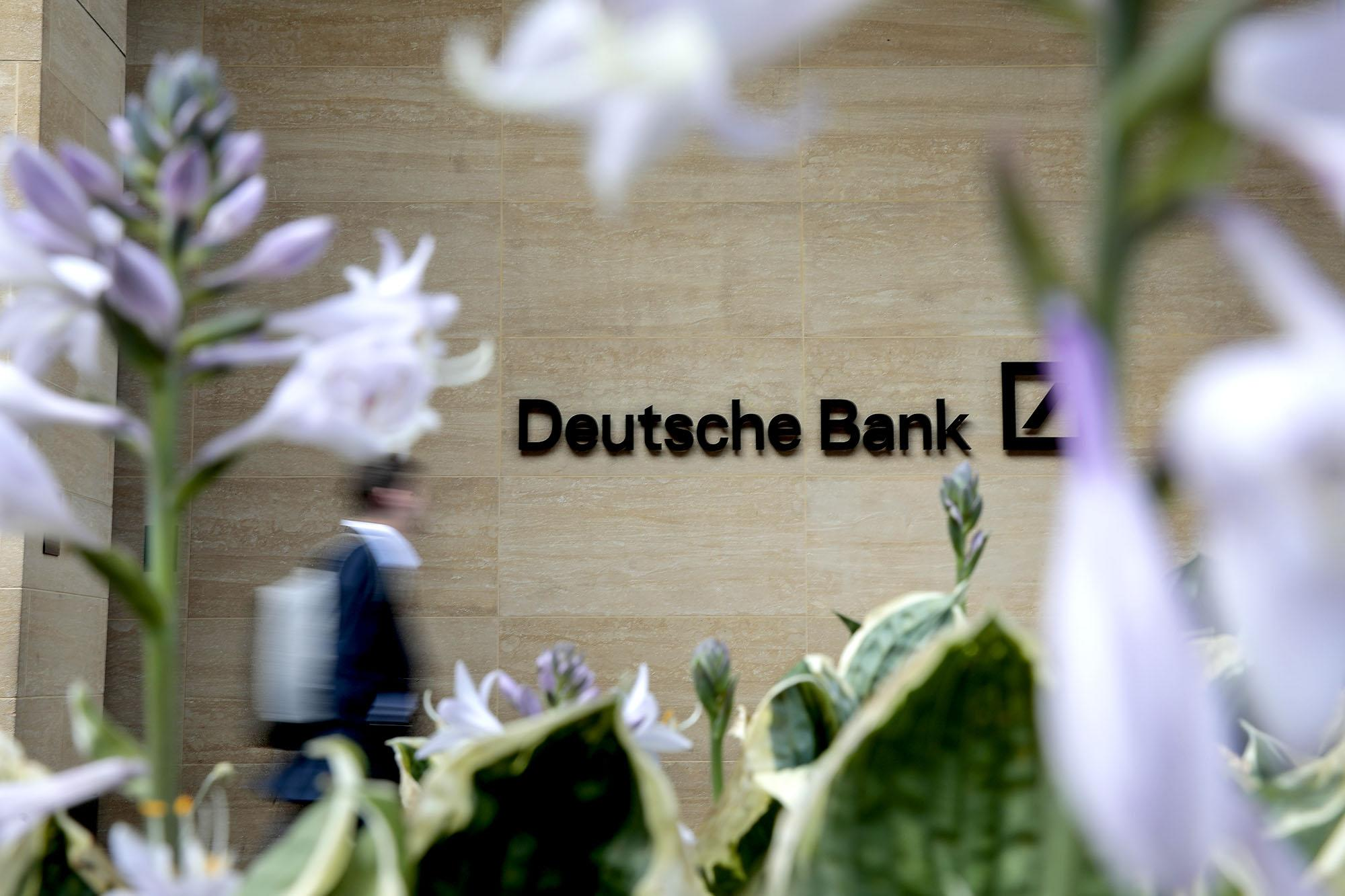 Deutsche Bank boss lashes out at staff for suit fitting amid layoffs