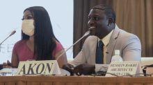 Sénégal : le rappeur Akon pose la première pierre de sa ville futuriste qui portera son nom