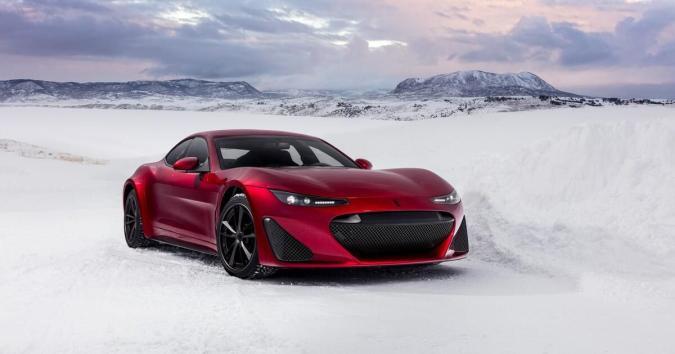 Drako's 1,200 horsepower 4WD GTE goes drifting on an ice lake