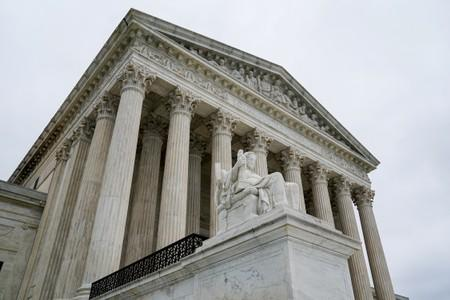 U.S. Supreme Court tosses ruling against wedding cake bakers who rebuffed lesbians