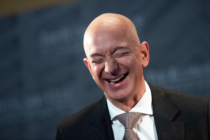 Amazon to sell more Apple products, but there's a catch
