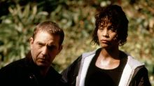 'The Bodyguard' turns 25: Kevin Costner remembers Whitney Houston, 'the perfect choice' for the role