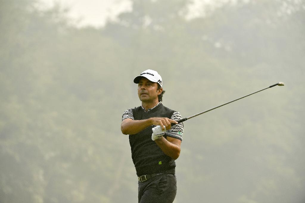India's Randhawa shares lead after opening round