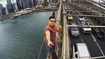 Man climbs Brooklyn Bridge to take selfie