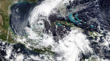 Ciclón Delta, categoría 4 avanza hacia Yucatán y bordea Cuba