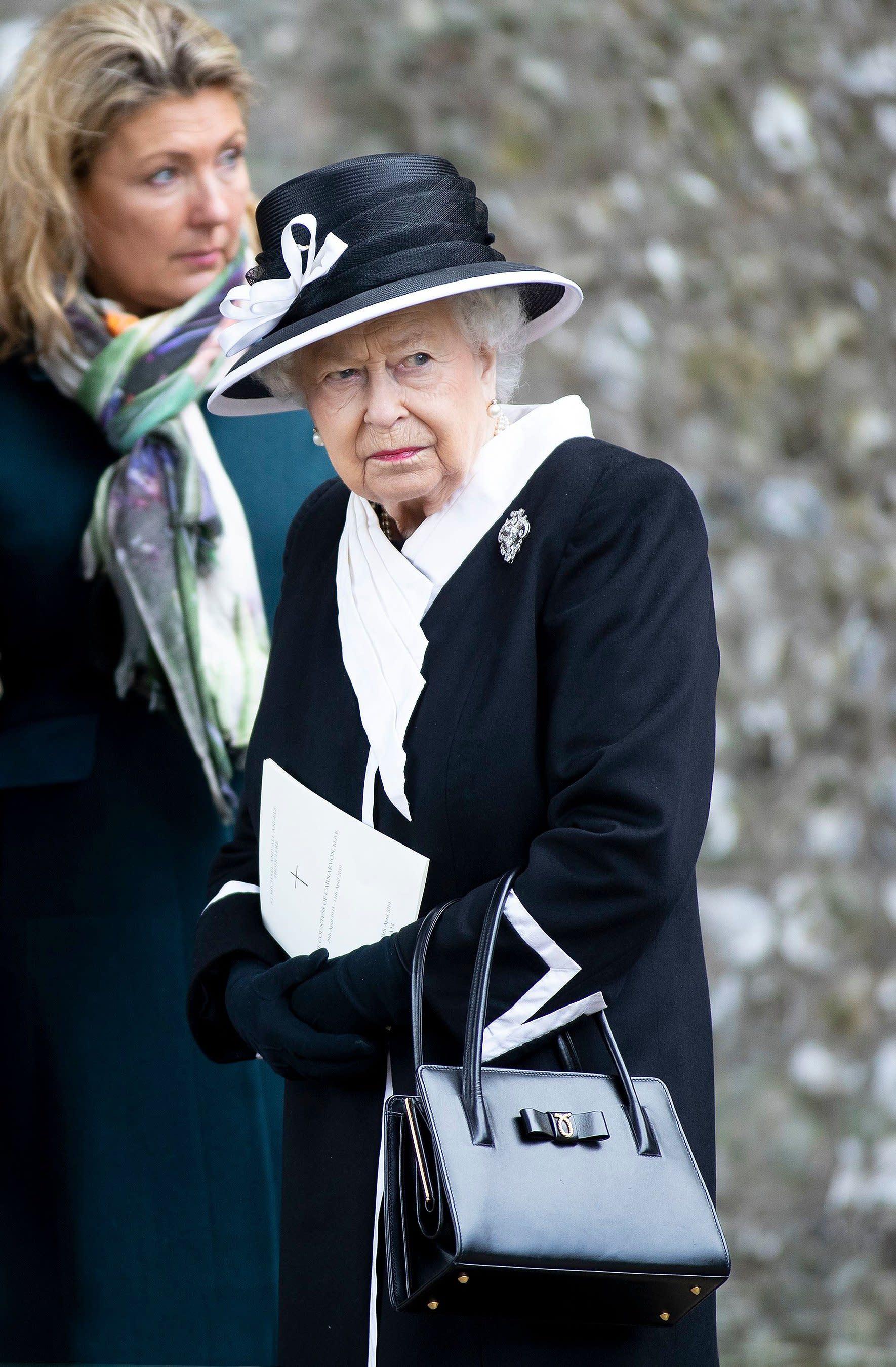 Porchie queen elizabeth