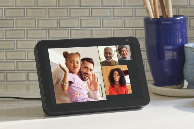 Group calling on Amazon Echo Show smart display