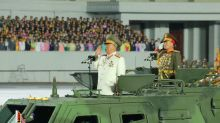 """Corea del Norte presenta un """"monstruoso"""" misil de largo alcance en su último desfile militar"""