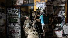 Mehr als 500 Polizisten durchsuchen Wohnungen in Berlin