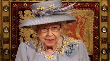 Besonderer Schmuck zur Parlamentseröffnung: Das bedeuten die Broschen der Queen