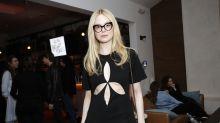 El escote extraño de Elle Fanning para promocionar 'Violet y Finch'
