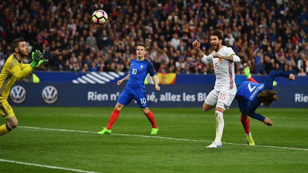 No se calló nada: ¡Ramos le respondió a Piqué!