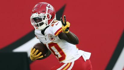 Tyreek has 203 yards, two TDs ... in first quarter