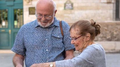 Holocaust survivor reunites with family that saved her
