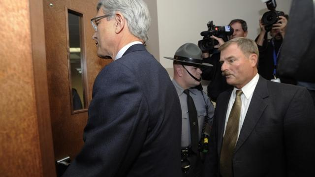 Penn State officials surrender in sex abuse scandal